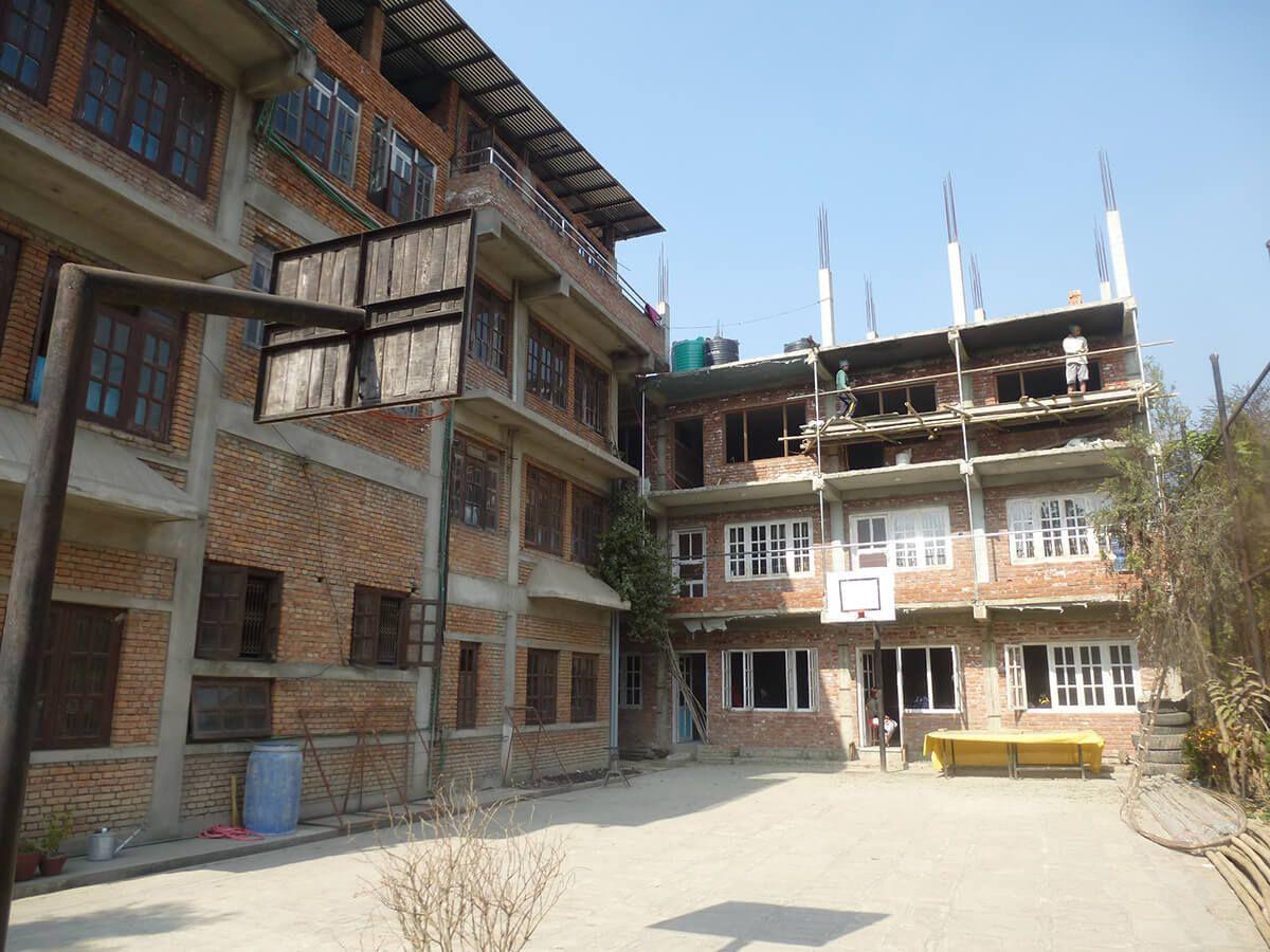 Une école à reconstruire